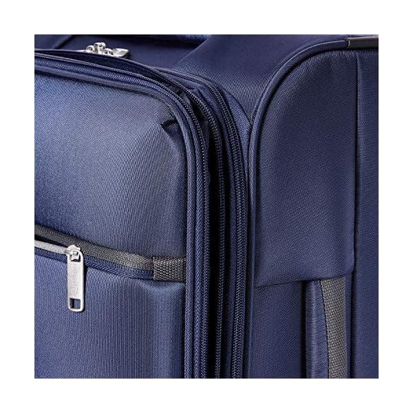 AmazonBasics – Maleta blanda con ruedas giratorias, 54 cm, para equipaje de mano, Azul marino