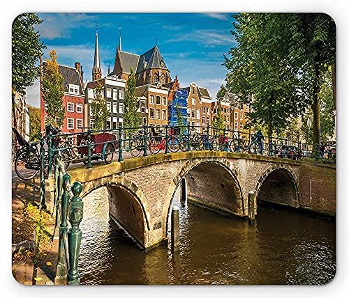 Tappetino per mouse Amsterdam, vecchio ponte su un canale con biciclette e case storiche famose dell'Olanda, tappetino per mouse rettangolare in gomma antiscivolo, dimensioni standard, beige acqua 25