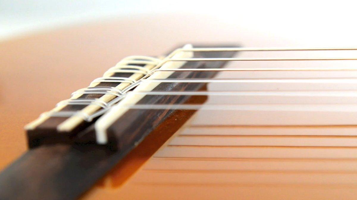 YAMAHA C40 Performance Pack de Guitarra Acústica, Marrón (Natural): Amazon.es: Instrumentos musicales