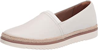 حذاء نسائي مسطح بدون كعب من Clarks Serena Paige