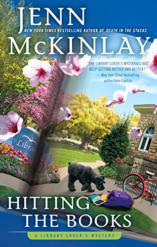 Hitting the Books (A Library Lover's Mystery Book 9) by [Jenn McKinlay]