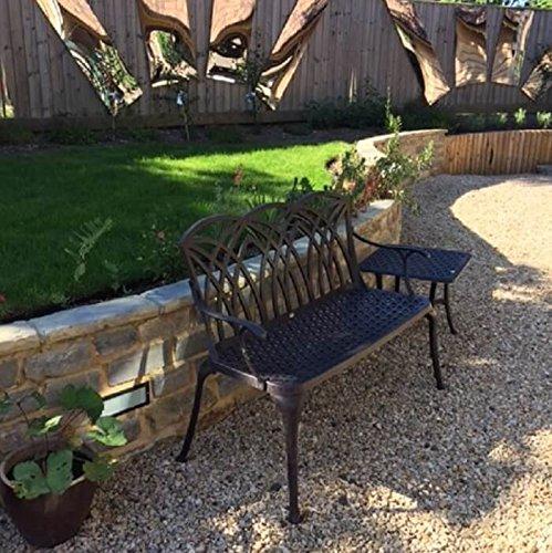 Lazy Susan – SANDRA Quadratischer Kaffeetisch mit 1 APRIL Gartenbank – Gartenmöbel Set aus Metall, Antik Bronze (Beiges Kissen) - 5
