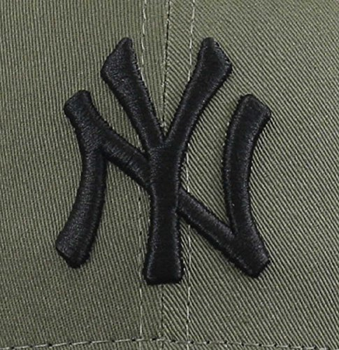 New Era Men's League Essential 9Forty New York Yankees Cap, Khaki, One Size
