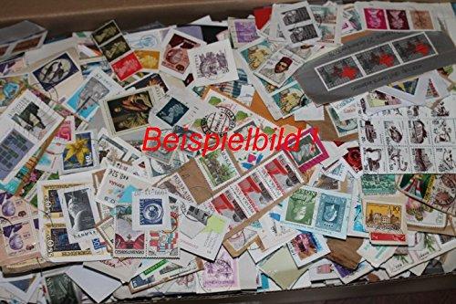Robbert´s Briefmarken Kiloware, Alle Welt 100g Missionsware, wie gespendet auf Papier, gestempelt