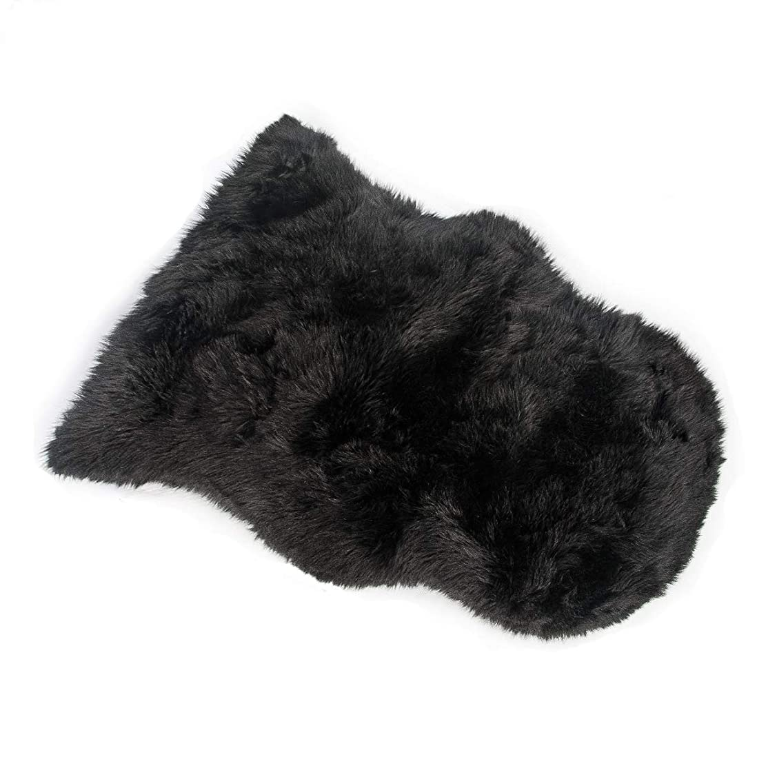 物語博物館不誠実HLZDHKJ フェイクシープスキンラグ ムートンマット 洗える 人工ウールマット 長毛 ふんわり 柔らか滑り止め付き高級感あるソファシートマットリビングルームラグ (ブラック, 50 X 80 CM)