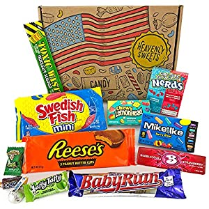 Heavenly Cesta de Dulces y Chocolate Americanos - Set de Marcas Clásicas de USA, Surtidos Originales, Regalo Perfecto para Niños, Adulto - Cumpleaños, Navidad - 12 Dulces, Pack de 25x18x2.5cm
