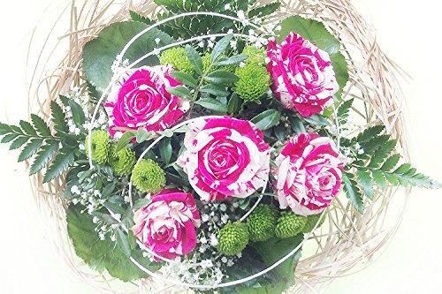 Blumenstrauß mit zweifarbigen Harlekinrosen