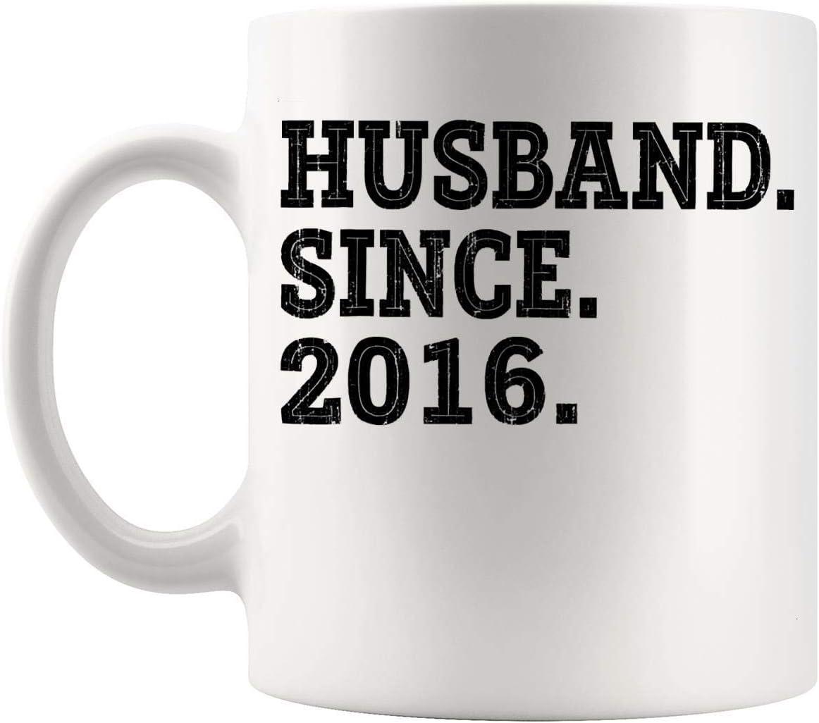 Regalo para esposos y esposas - Regalos para el tercer aniversario de bodas para hombres Esposo desde 2016 Taza de taza de 11 oz - Esposa Cónyuge Pareja casada Única y 4 5 6 años Idea de regalo de bod