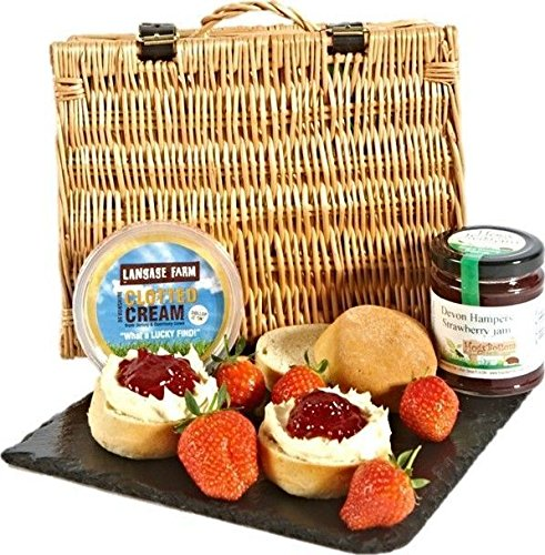 Cream Tea Hamper for 2 People with 2 Scones, Clotted Cream and Jam