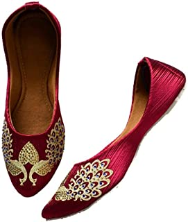 YZBuyer Women Maroon & Gold-Toned Embroidered Mojaris