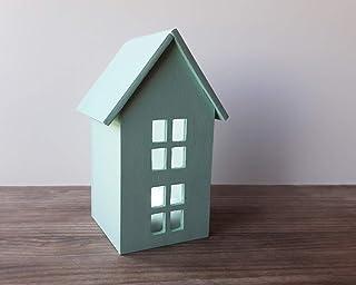 Casa con luz, hecha de madera y de color menta | Incluye una luz LED