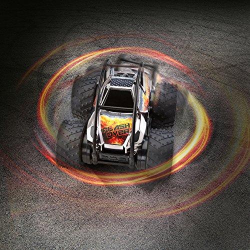 Revell Control 24636 RC Stunt Car Flashover, 2.4GHz, 4WD Allrad, Überrollkäfig für Rollover-Stunts, ferngesteuertes Auto, Chromfarbe, 21 cm