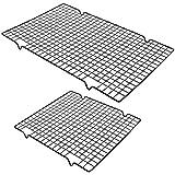 UBERMing Cremagliera di Raffreddamento 2 Pezzi Griglia Raffreddamento Antiaderente Dolci per Torte Griglia di Raffreddamento 2 Dimensioni 40 x 25,5 x 2 cm / 28 x 25,5 x 2 cm - Nero (Acciaio Carbonio)