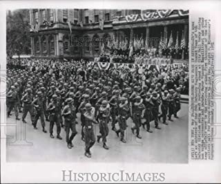 1951 Press Photo Infantry Combat team marching in bon voyage parade, New York - Historic Images