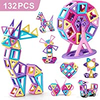 Questo set di sviluppo di giocattoli per castello magnetico STEM ha 132 pezzi (74 pezzi di accessori magnetici), include 26 * quadrati, 26 * triangolo, 26 * carte bianche, 4 * ruote, 2 * esagono, 8 * triangolo isoscele, 4 * trapezio, 2 * Pentagono, 4...