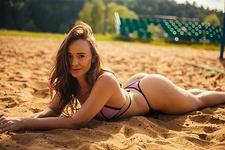 Beach girl nude Schoolies 2014