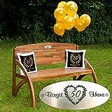 Geschenke 24 Gartenbank Set zur Goldenen Hochzeit Kissen Schwarz FKB8O: Gartenbank Holz HADIA mit personalisierter Gravur, zehn Luftballons, Zwei Kissen - persönliche Geschenke zur Goldenen Hochzeit
