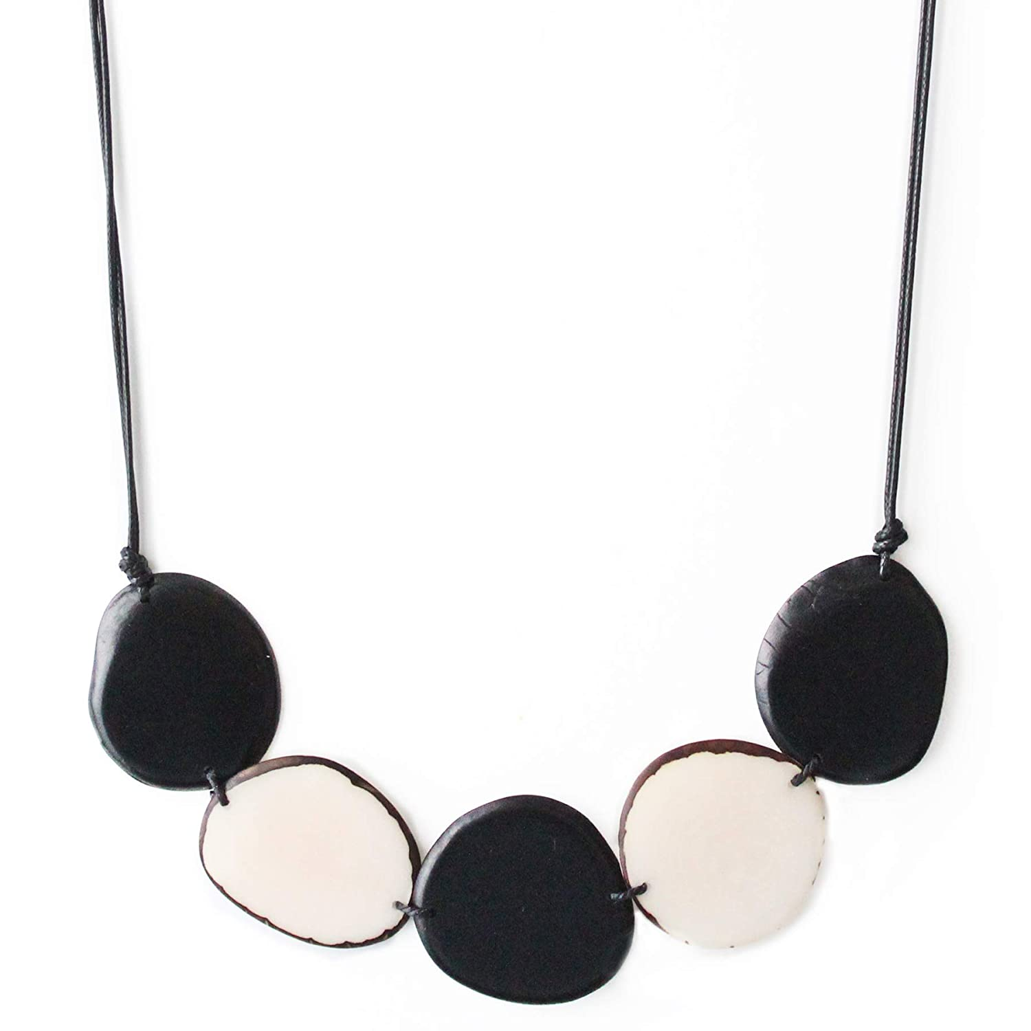 Tagua Necklace Chips in Black and F Ivory Natural Brand new Handmade Ranking TOP17 White