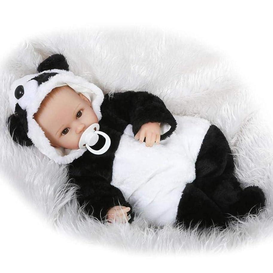 滝化学者リスキーな生まれ変わった赤ちゃん人形リアルな56センチ22インチ生まれ変わった赤ちゃん人形柔らかいシリコーンビニールのおもちゃパンダ服新生児の赤ちゃん人形子供の誕生日プレゼント