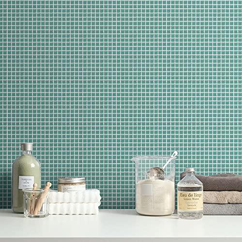 こちらは壁紙屋本舗のはがせるリメイクシート「ハッテミー」。ビニール素材なので、キッチンや洗面所にぴったり。お手入れのことも考えて壁紙を選ぶのもポイントです。