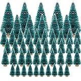 50 Piezas Mini Arboles de Navidad con Nieve Arbol Cepillo Botella para Navidad Pino Cedro Sisal Nevado Ornamentos Navideños Decoracíon Navideña Escritorio Hogar Mesa