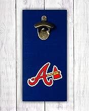Atlanta Braves Abrebotellas | Muestra de la barra del equipo de béisbol | Abridor montado en la pared - por DISEÑOS DE BORDES LÍDERES