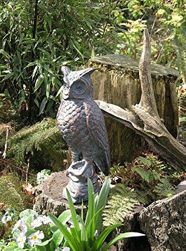Delightful Gusseisen Garten Skulptur eine lange Ohren Eule Hand in beendet eine Antik Bronze