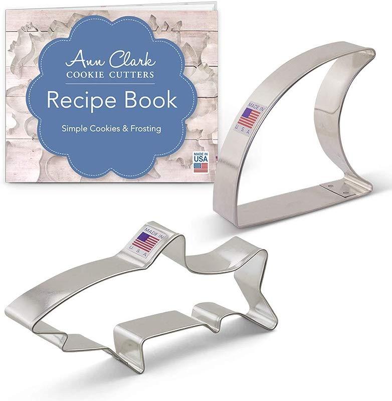 Ann Clark Cookie Cutters 2 Piece Shark Cookie Cutter Set With Recipe Booklet Shark And Fin