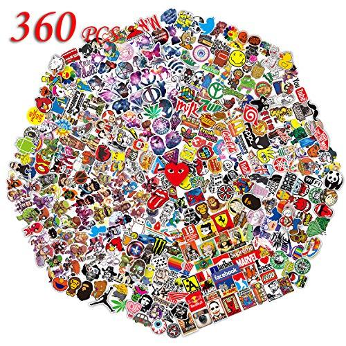 👑[Buena apariencia]: este conjunto (360 unidades) es divertido, dibujos animados geniales y pegatinas lindas, calcomanías que incluyen Superhéroes, personajes de cómic, galaxias, estrellas, logotipos de marcas, elementos Pop, Graffiti ... Tamaño: Cad...