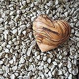 NATUREHOME Herz aus Olivenholz - Holz Handschmeichler Glücksbringer ideal als Geschenk zur Hochzeit Taufe Geburt Geburtstag oder als Schutzengel Anti-Stress Holzherz Deko (5 cm)
