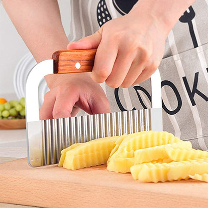 Bargain House Blade Potato Chip Cutter Wooden Handle Blade Slicer Crinkle Cutter Tool Stainless Steel Vegetable Crinkle Wavy Cutter Kitchen Tool Silver