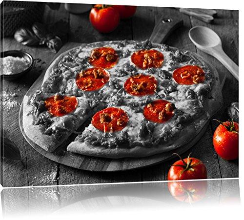 Pepperoni pizza vers uit de ovenFoto Canvas | Maat: 120x80 cm | Wanddecoraties | Kunstdruk | Volledig gemonteerd