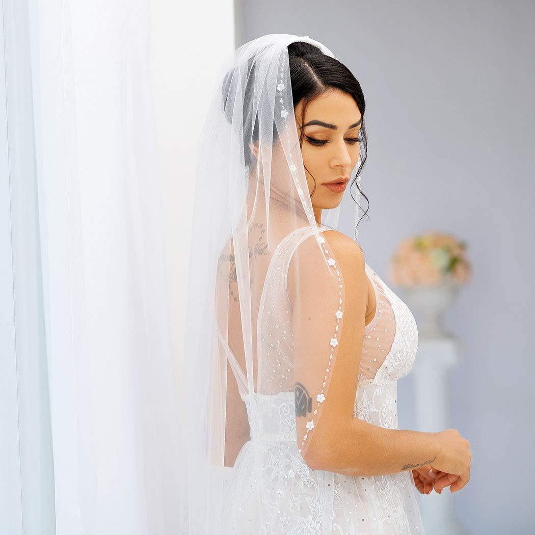 Brishow White Wedding Bridal Veil with Comb Flower Edge Tulle Veil for Brides 1 Tier Fingertip Length 35.4 Inches