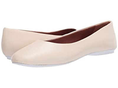 Gentle Souls by Kenneth Cole Eugene Travel Ballet (White Leather) Women
