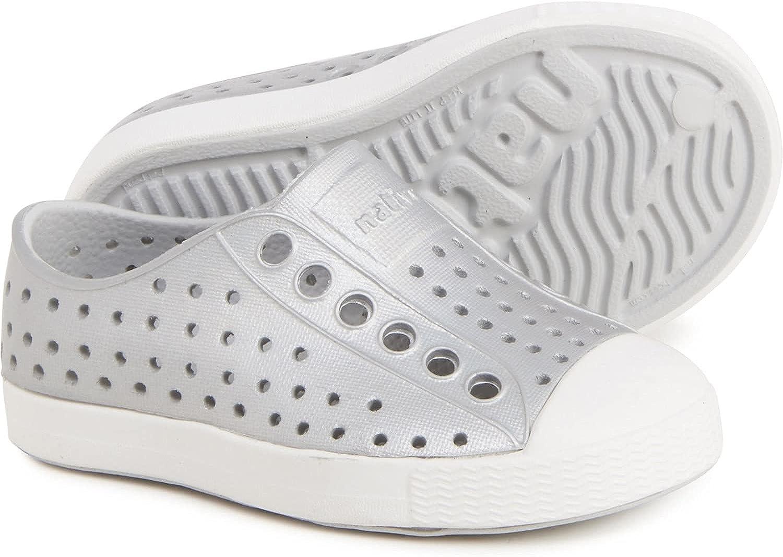 Native Shoes, Jefferson Iridescent Child, Kids Lightweight Sneaker (Shell White, Numeric_5)
