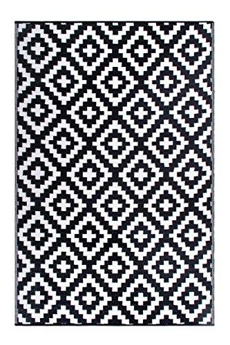 FH Home Tapis de Sol en Plastique recyclé pour intérieur/extérieur – Réversible – Résistant aux intempéries et aux UV - Aztec - Black/White (180 cm x 270 cm)