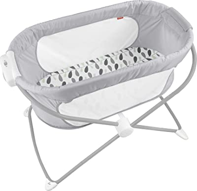 Fisher-Price Soothing View Bassinet – Climbing Leaves, Portable Bedside Baby Crib [Amazon Exclusive]