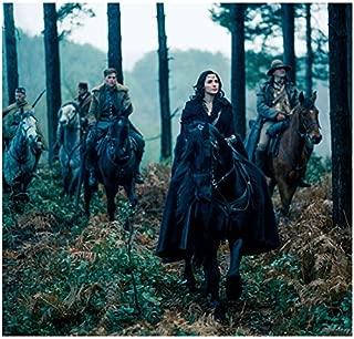 Gal Gadot 8 inch x 10 inch Photograph Wonder Woman (2017) Leading Chris Pine & Others on Horseback kn