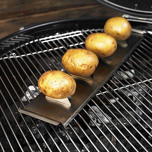 61BDjkEr8TL - Rösle Kartoffelhalter, Edelstahl 18/10, Griffe, auf Grills ab Ø 47 cm verwendbar, spülmaschinengeeignet, 43 x 9 x 4,5 cm