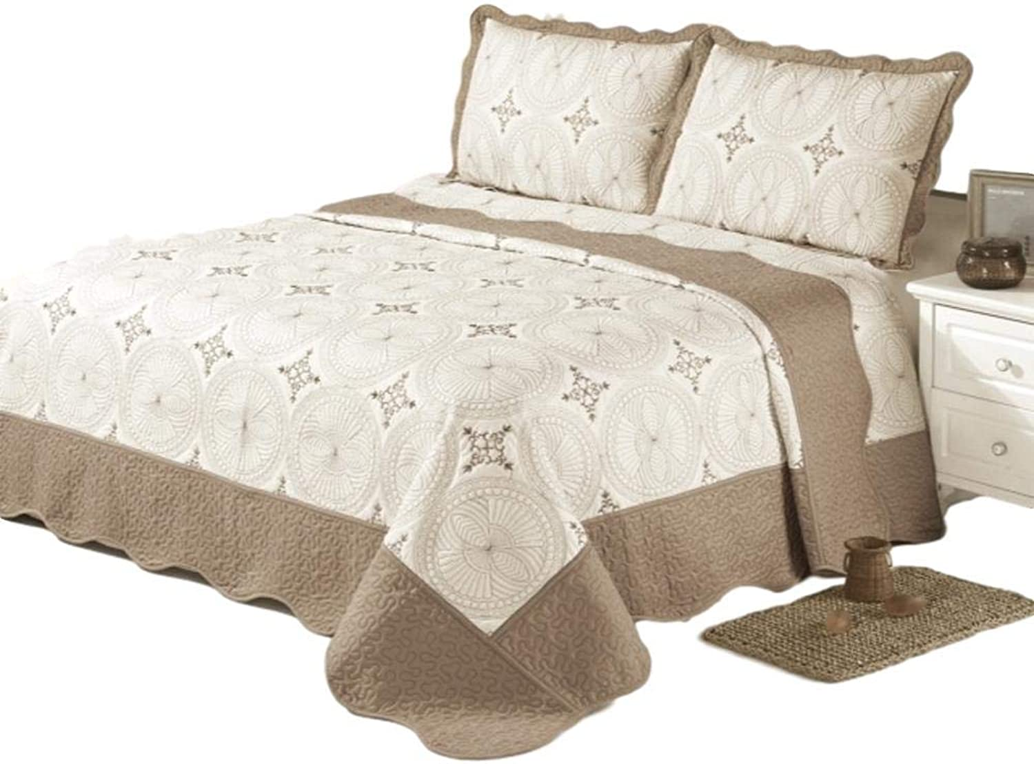 California King Size Quilt 3 Piece Bedding Bed set   Bedspread   Embroidered   2 Pillow Shams (Brown)