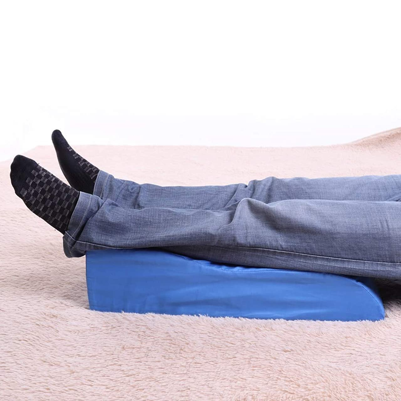 バトル征服造船カバーが付いている医学の泡の足のエレベーターの枕-横寝、妊娠、腰痛、足上げ、坐骨神経痛のためのくさび膝枕