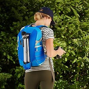 61BPDa8SvjL. SS300  - AmazonBasics - Mochila para cámara, para excursionistas - Azul