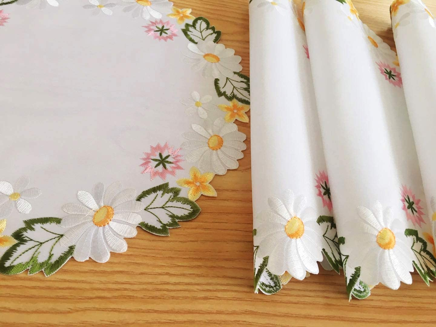 Elegant Decoration Spring Wildflowers Table Linens Embroidered Beautiful Pansy Flower Garden Cut Out Table Place Mats Set of 4, 14 inch Round, Pink Pansy palcemat