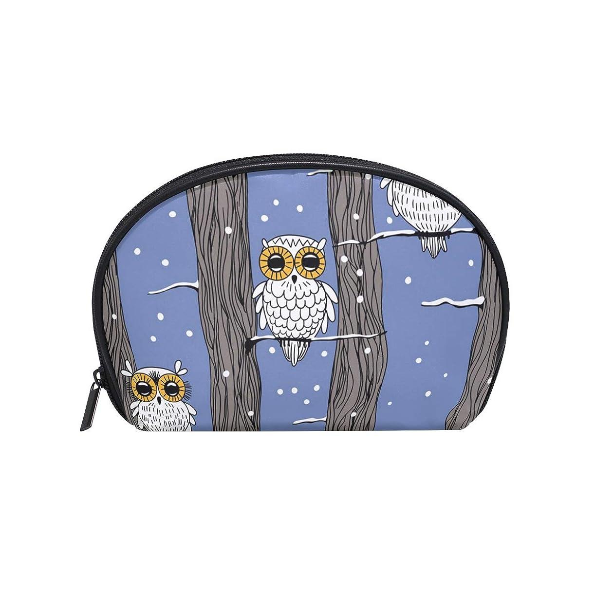 考えた媒染剤摩擦半月型 動物柄 背景クリスマス 化粧ポーチ コスメポーチ コスメバッグ メイクポーチ 大容量 旅行 小物入れ