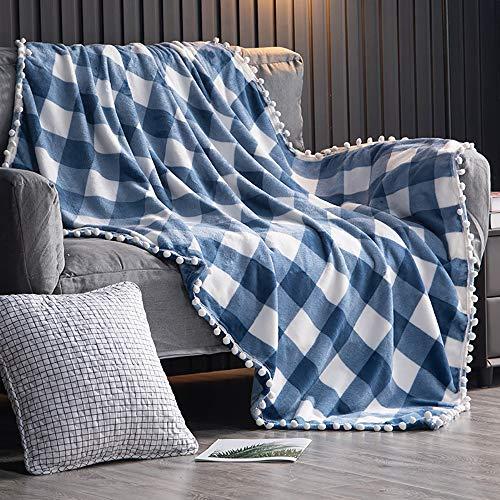 TEALP Manta Polar con Flecos de Pompones | Buffalo Plaid Manta de Franela Azul y Blanca a Cuadros para el sofá Cama Apta para Toda la Temporada (130 x 150 cm)