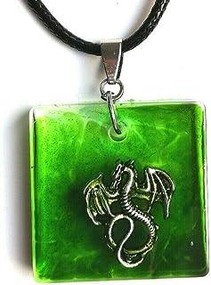 Resina hecha a mano dragón verde colgante cuadrado dragón collar colgante unisex joyería de fantasía idea de regalo