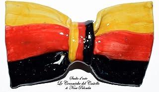 Papillon in Ceramica Linea Bandiera Germania Pezzo Unico Handmade Le Ceramiche del Castello Made in Italy Dimensioni:10 x ...