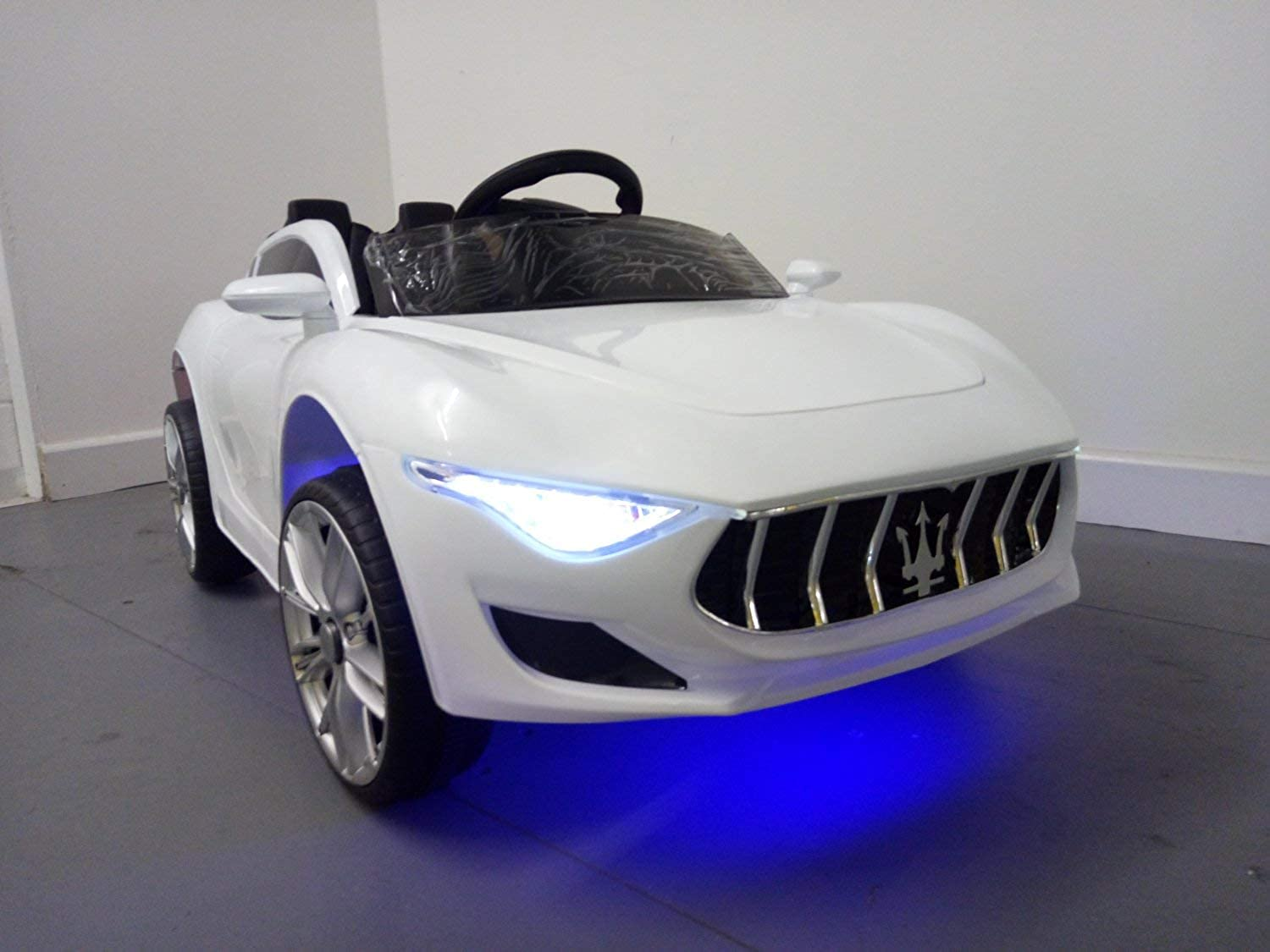 TruviaToys Kids ride on electric car (White)