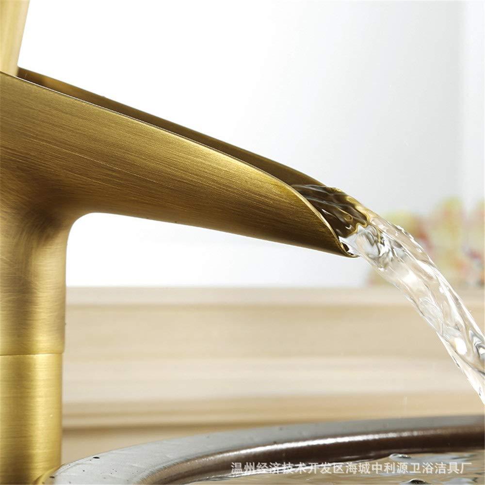 Grifo de filtro de agua potable Grifo de lavabo antiguo de alta ...