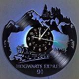 Smotly Vinyl Wanduhr, Hogwarts Expresszug Thema Design, Wanddekoration, große Uhr, handgefertigte Wanduhr Geschenk mit 7 bunten Lichtern (Geschenk Haken)